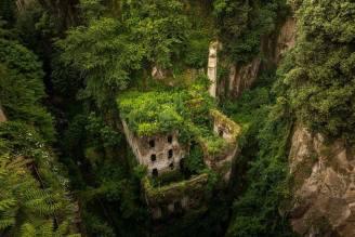 قلعة مهجورة- سورنتو، ايطاليا
